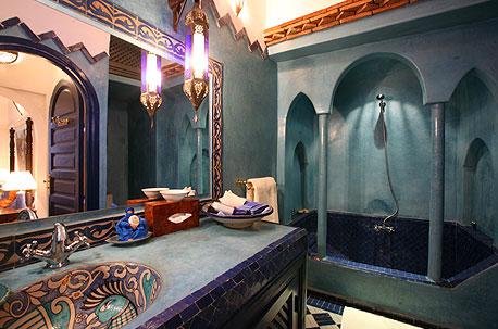 Reformas y decoraci n del hogar toque rabe a tu sal n o for Decoracion banos estilo arabe