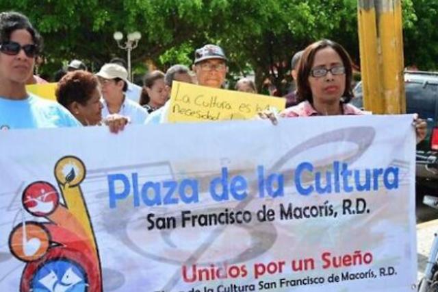 Francomacorisanos reclaman Plaza de la Cultura