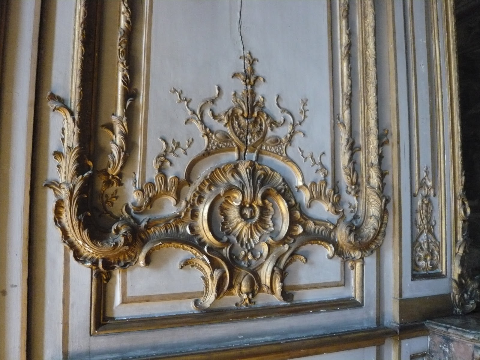 ornamental woodcarver patrick damiaens the rohan palace. Black Bedroom Furniture Sets. Home Design Ideas