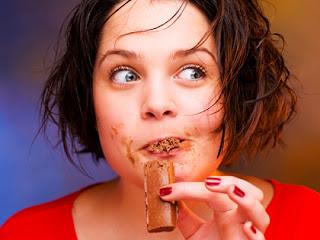 طرق مكافحة الأكل بشراهة Mindless+eating