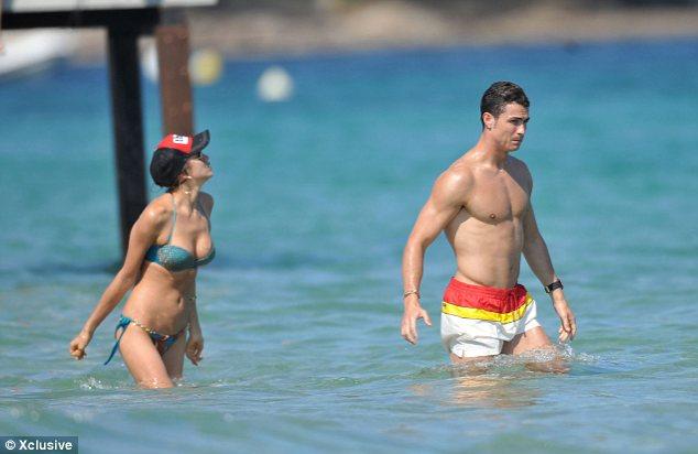 Foto Cristiano Ronaldo dan Irina Shayk