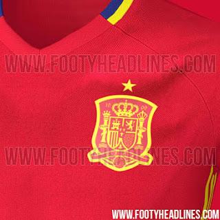 gambar detail jersey terbaru musim depan euro perancis Detail jersey Spanyol training warna merah terbaru musim depan 2015/2016