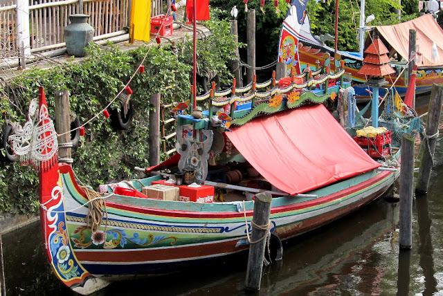 Disney Boat (c) Beth Ann Strub
