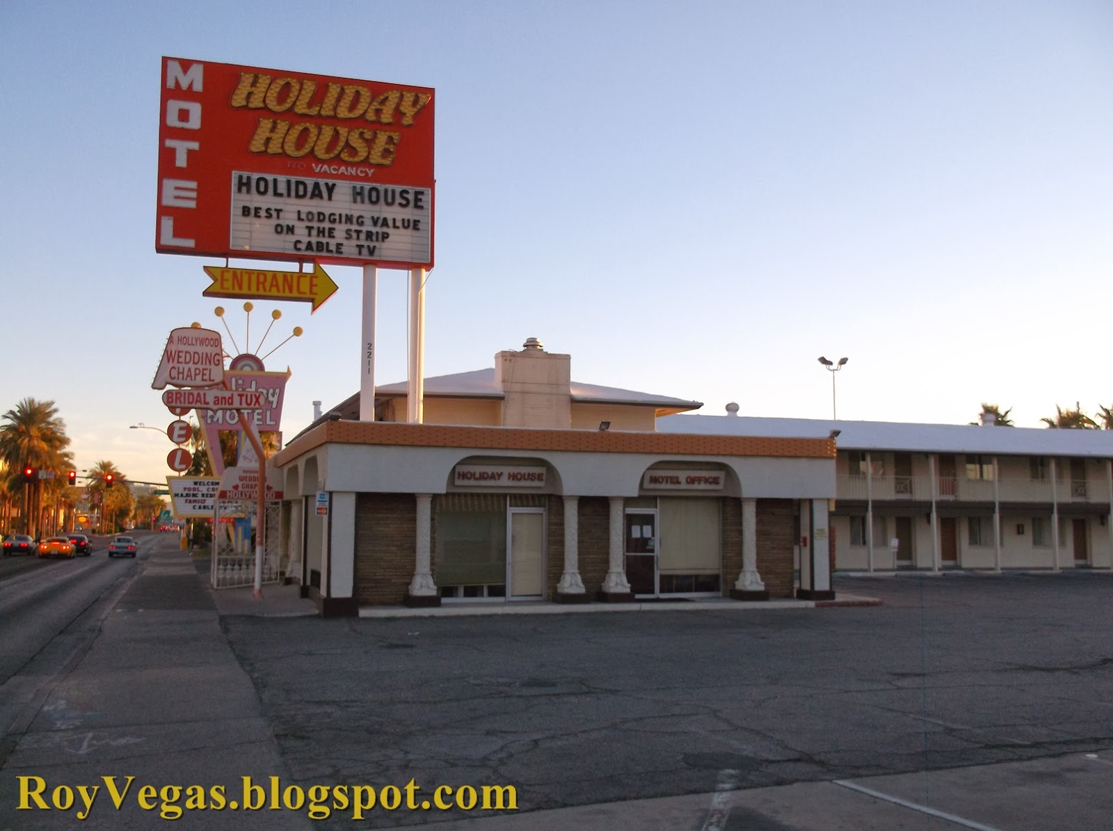 roy vegas is holiday house motel las vegas closed. Black Bedroom Furniture Sets. Home Design Ideas