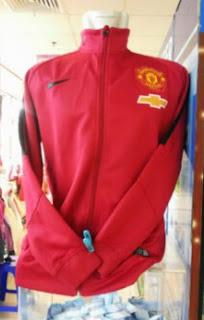 gambar jaket MU chevrolet warna merah terbaru musim 2014/2015, jual jaket bola online, ready stock