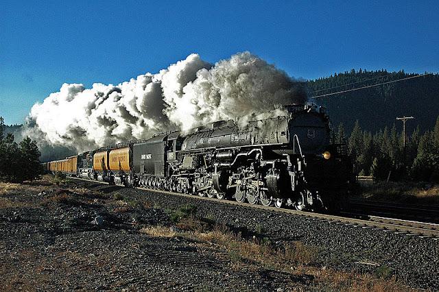 Gambar Kereta Api Lokomotif Uap Union Pacific Challenger 4-6-6-4 3985 01