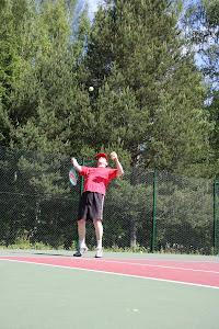 Tenniksen alkeita ja tennisvalmennusta Olavi Lehdolta 044-3380291