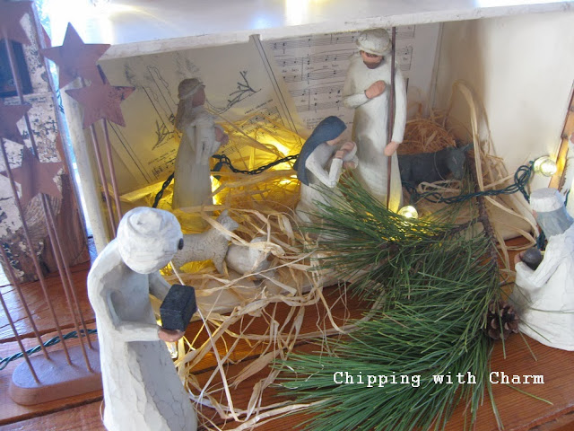 Chipping with Charm:  Nativity in a XL Drawer...http://www.chippingwithcharm.blogspot.com/