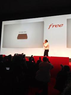 Free - Xavier Niel présente une nouvelle Freebox, une mini Freebox