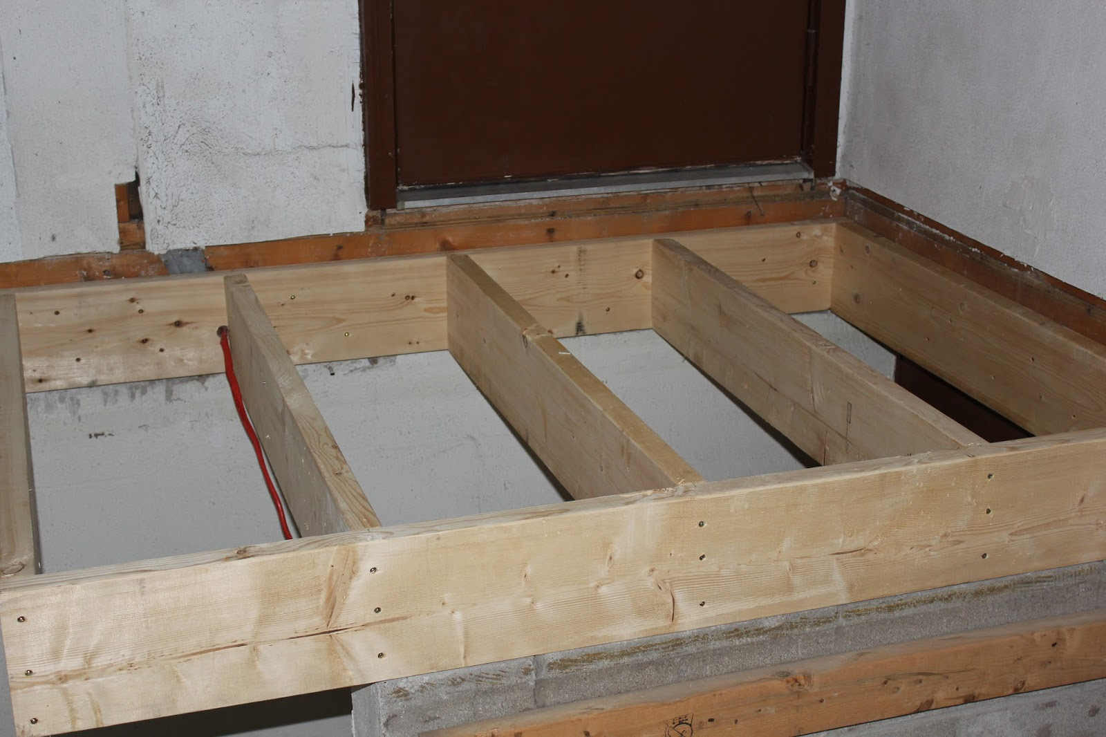 The Entire Platform Was Made Of 2x6 Joist And Although Sufficient For This  Short Span It Was My Choice To Use 2x8 Joist To Make The Landing Closer To  The ...