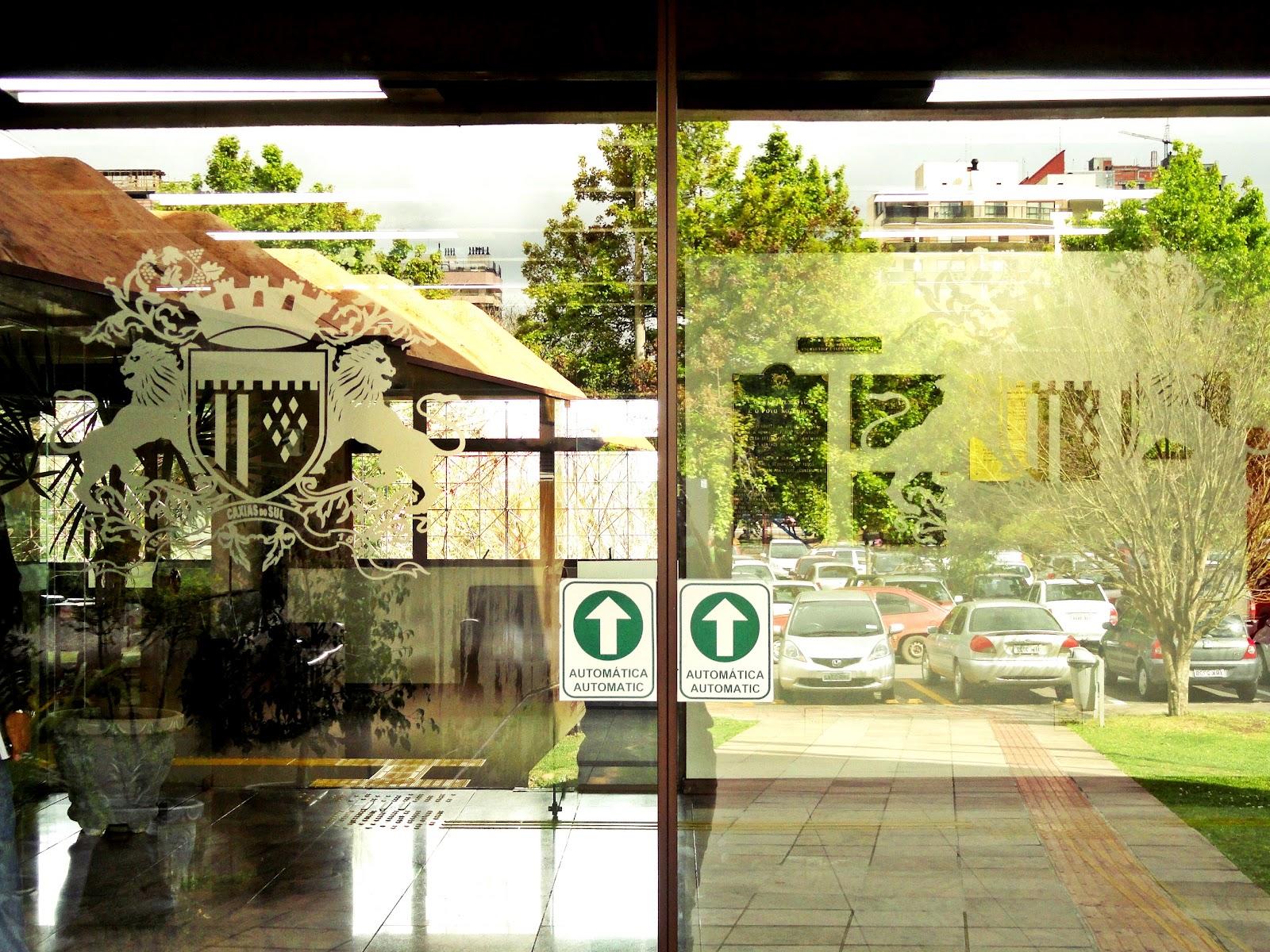 Imagens de #999E2D  Artes e Criações em Vidros: Porta da Prefeitura de Caxias do Sul 1600x1200 px 2322 Box De Vidro Para Banheiro Caxias Do Sul