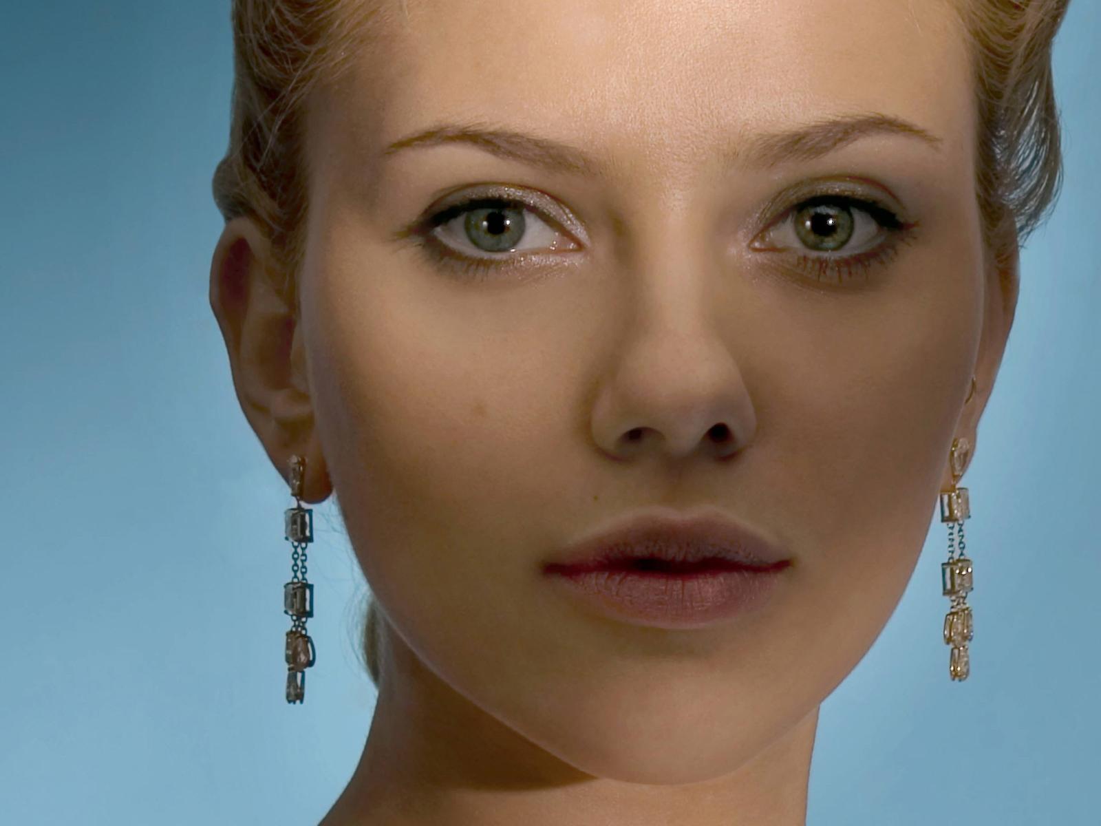 http://4.bp.blogspot.com/-ldoQ5UMfE3s/Tr1H2ieaktI/AAAAAAAAJEk/ArBV8UhbFX4/s1600/Scarlett_Johansson_Wallpapers_TALKING_EYE.jpg