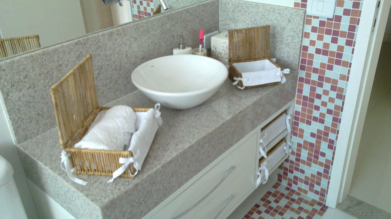 http2bpblogspotcomReginaSegura arquitetura Ampliação de cobertura  -> Banheiro Com Faixa De Pastilha Vertical