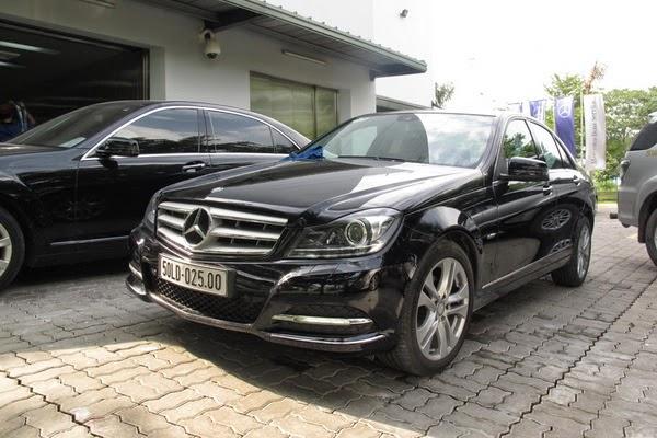 Cho thuê xe 4 chỗ Mercedes C200