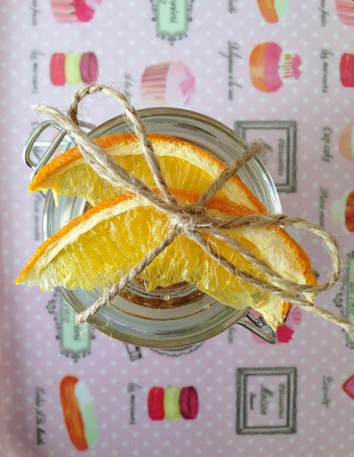idee natale #3: zucchero aromatizzato all'arancia e cardamomo