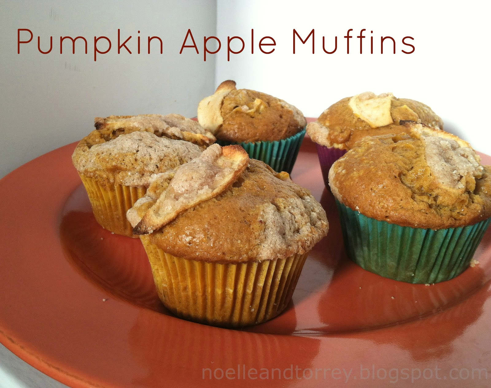 Norrey.: Pumpkin Apple Muffins