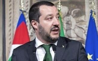 Curajosul ministru de interne italian oprește nebunia genului