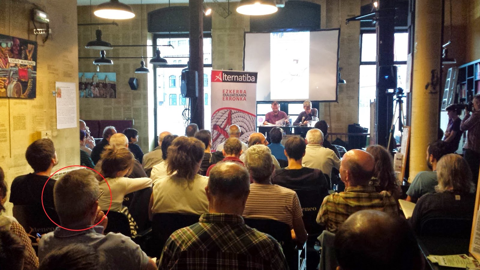 charla sobre el TTIP dada por Tom Kurchaz y Oscar Matutes en Bilbao