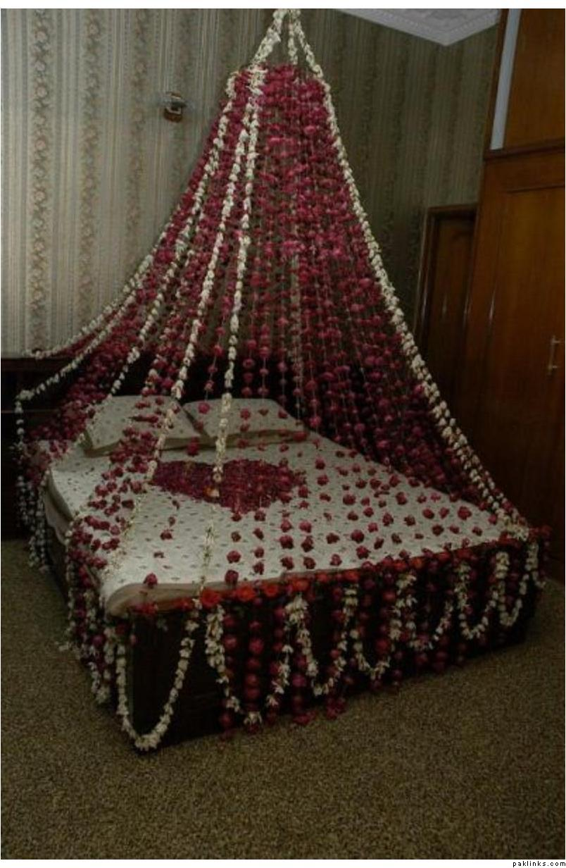 Lifestyle of dhaka wedding bedroom decoration idea simple for Bed decoration with net