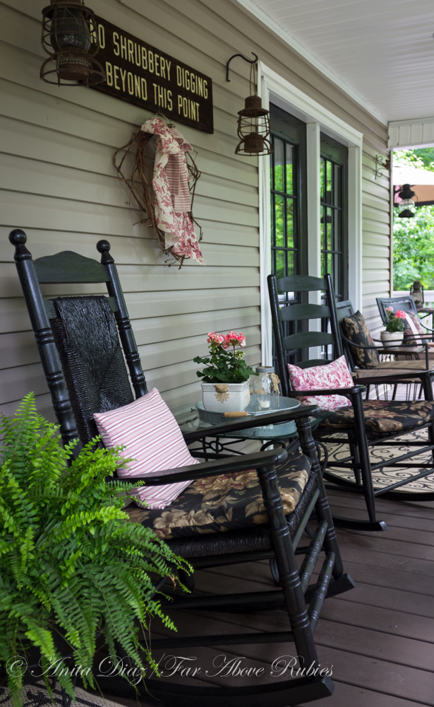 Far Rubies Southern porch with vintage farmhouse style