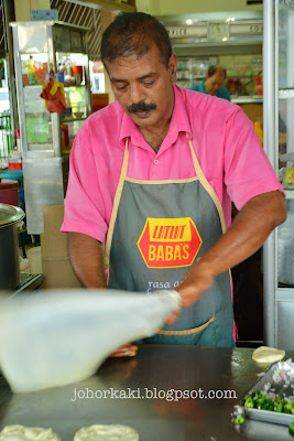 Mr-Mohgan-Super-Crispy-Roti-Prata-Singapore