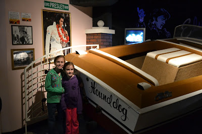 Guinness World Records Elvis Presley, Hound Dog Boat