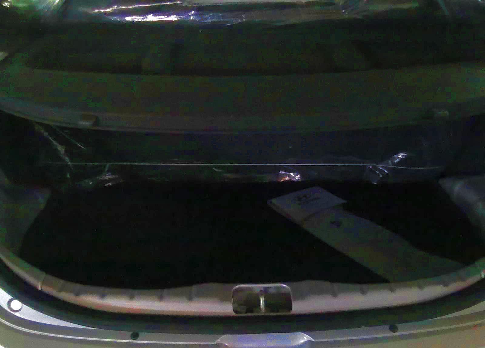 http://4.bp.blogspot.com/-lfIiRk6A60g/Tpf6aDgz-GI/AAAAAAAADgI/yk1DBVmjyBA/s1600/Hyundai-Eon-Small-Car-Boot.jpg