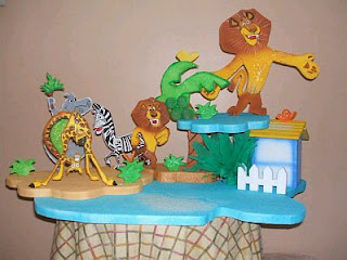 Madagascar children party ideas centerpieces