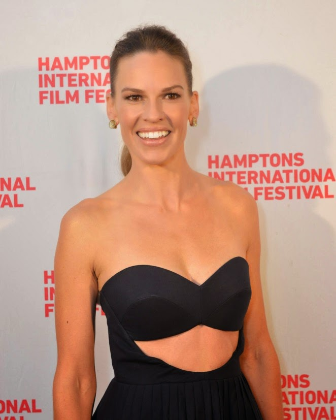 Hilary Swank wears a strapless Delpozo dress for 'The Homesman' Hamptons International Film Festival premiere