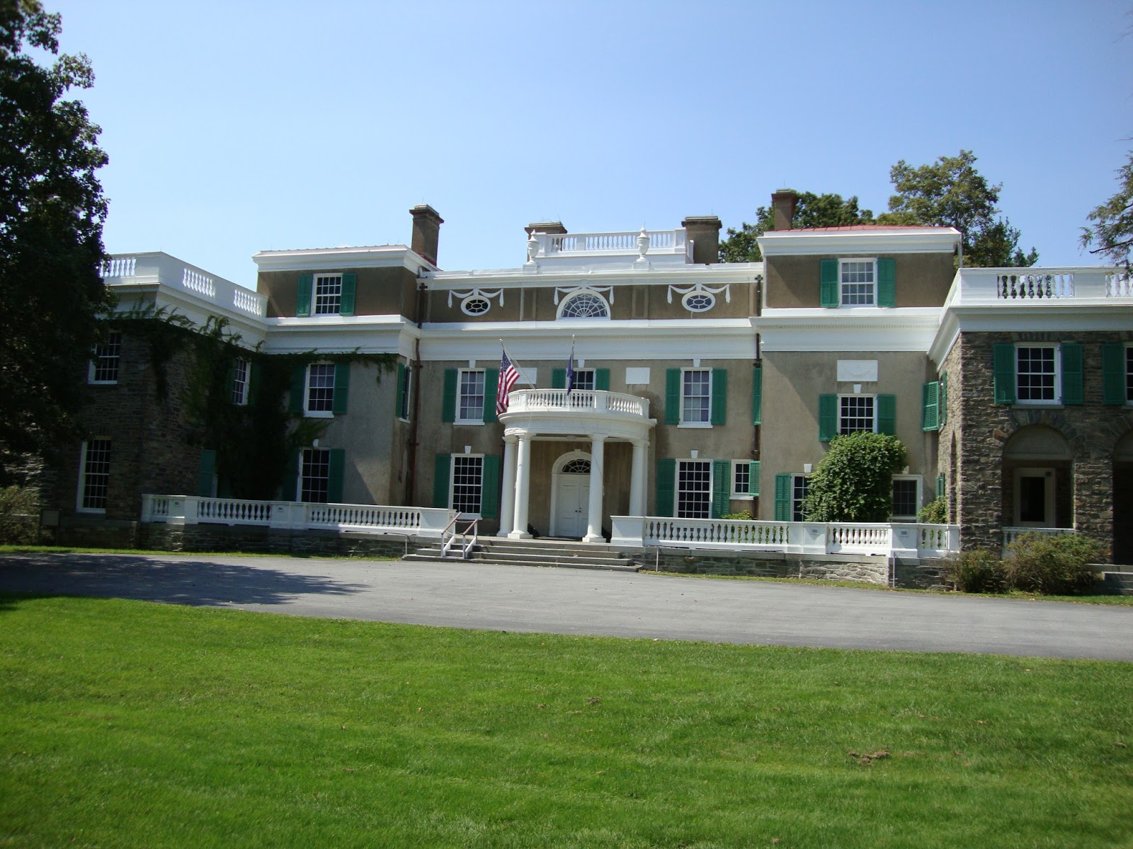 Backpacktress the hudson valley fdr 39 s home for Hudson house