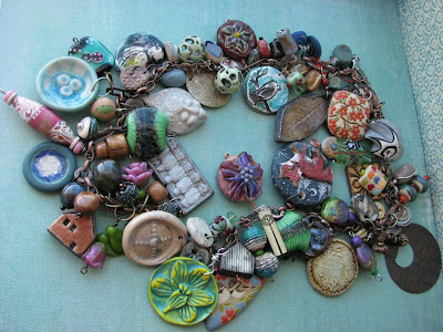 http://expostfactojewelry.blogspot.com/2012/04/art-bead-love-tour.html?spref=fb