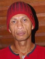 Rocky Putiray pemain bola hebat asal maluku indonesia dan mantan timnas