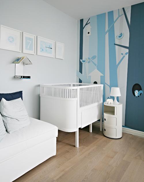 petit atypique une chambre bien rang e. Black Bedroom Furniture Sets. Home Design Ideas