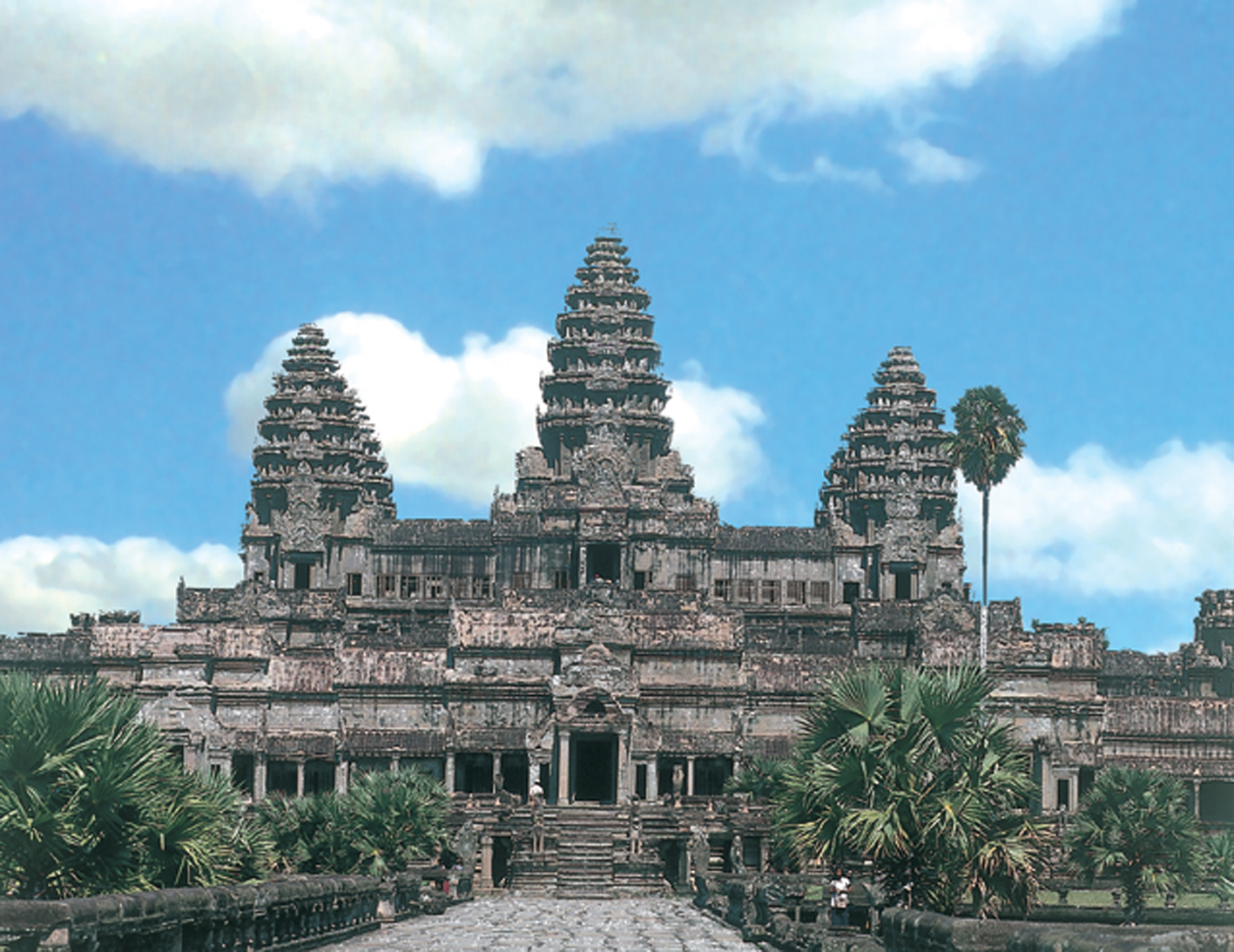 World Visits: Angkor Wat Temple The largest Hindu Complex