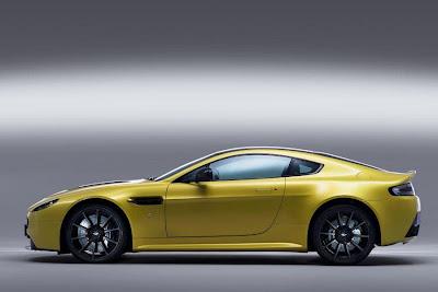 Aston Martin V12 Vantage S (2013) Side