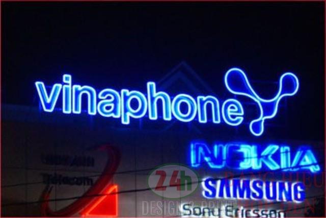http://2.bp.blogspot.com/-zcpurtPqOQI/Vl6r1D-430I/AAAAAAAAANk/-nw-F3z1ey4/s1600/bang-hieu-mica-chu-noi-10-thi-cong-hop-den-led-bang-hieu-led-chu%2Bnoi.jpg