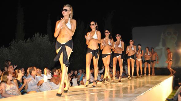 Fashion in the city: Η μεγαλύτερη επίδειξη μόδας στην παραλία του Βόλου