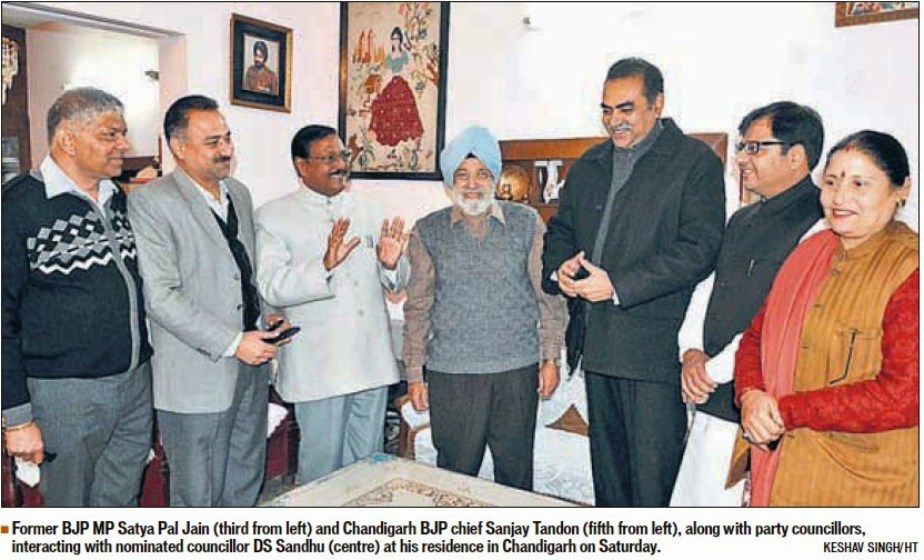 Former BJP MP Satya Pal Jain, alongwith others, interacting with nominated councillor DS Sandhu at his residence in Chandigarh on Saturday.