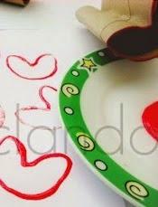 http://reciclajeconerika.blogspot.com.es/2015/01/sellos-de-carton-con-forma-de-corazon_30.html