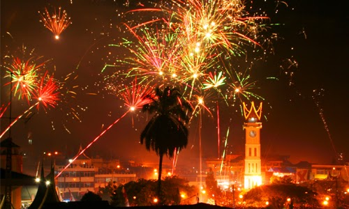 13 Tradisi Malam Tahun Baru Teraneh di Dunia