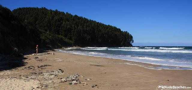 Playa nudista Oyambre (Cantabria)