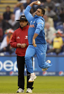 MS-Dhoni-Bowling-India-vs-Srilanka-ICC-champions-Trophy-2013