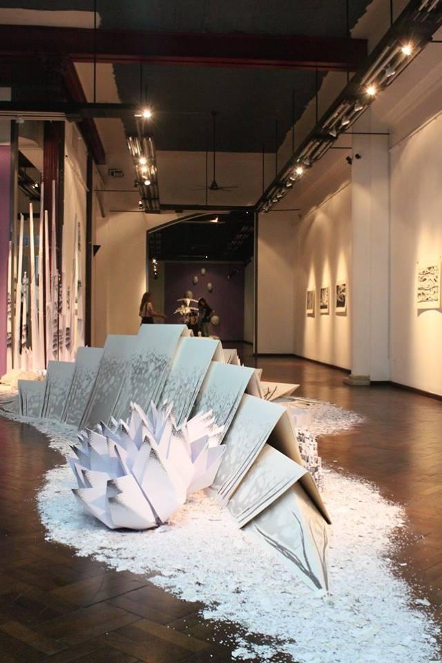 Humedal - Instalación con dibujos sobre papel
