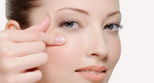 cuidados piel alrededor de los ojos
