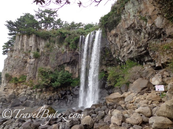Jeongbang Waterfall 정방폭포