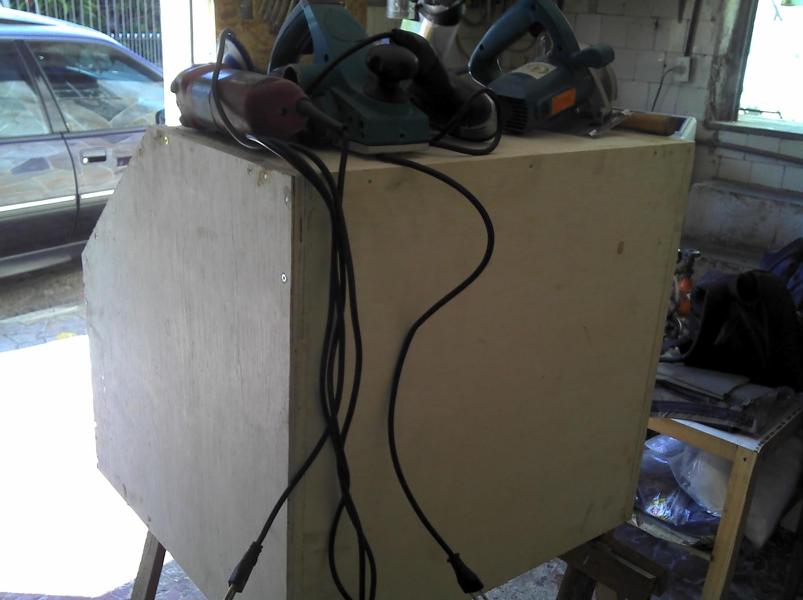 CABINE DE JATO DE AREIA CASEIRO SANDBLASTER HOME MADE ~ Porão do  #4D6E7E 1600x1195