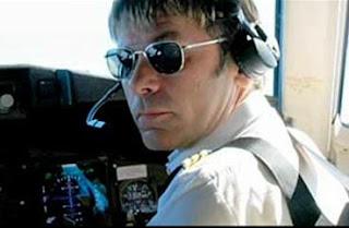 Bruce Dickinson, piloto