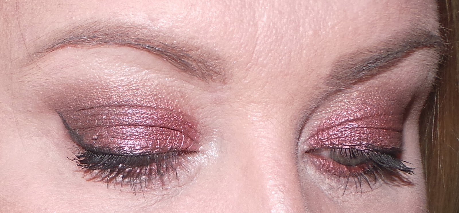 how to wear MAC Cranberry