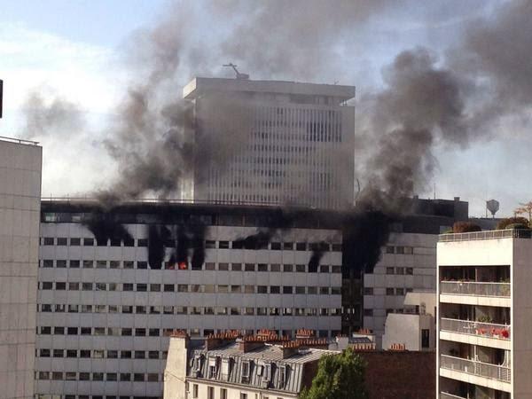 Spectaculaire incendie à la Maison de la Radio