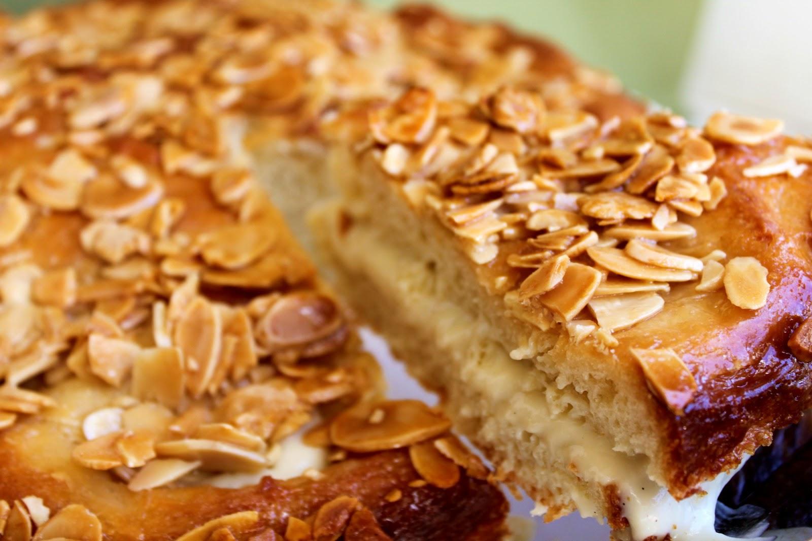 """Feast for the Eyes: Bee Sting Cake - """"Bienenstich"""" Kuchen"""